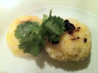 a servir aussi avec de l'échalote frite, de la noix de coco rapée, de la coriandre .. pour le petit dej!.. et oui, bienvenue au Vietnam!