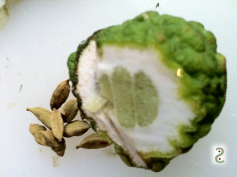 Cardamome-combava. Mariage puissant et long en bouche