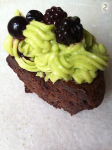 Matcha, avocado, cacao cupcake