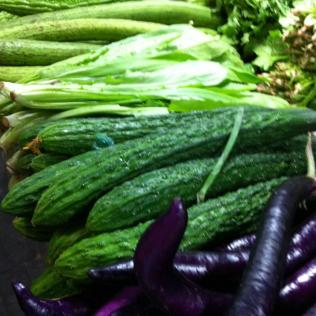 Green and purple.. my favourite colours .. bitter cucumber and eggplant..