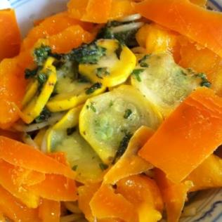 Linguine tomate et courgette jaunes, mimolette http://wp.me/p389oa-db