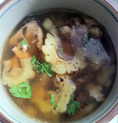 Soupe de courge amère http://wp.me/p389oa-ws