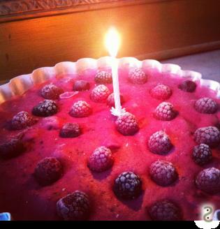 Chessecake glacé au citron vert et fruits rouges http://wp.me/p389oa-ZB