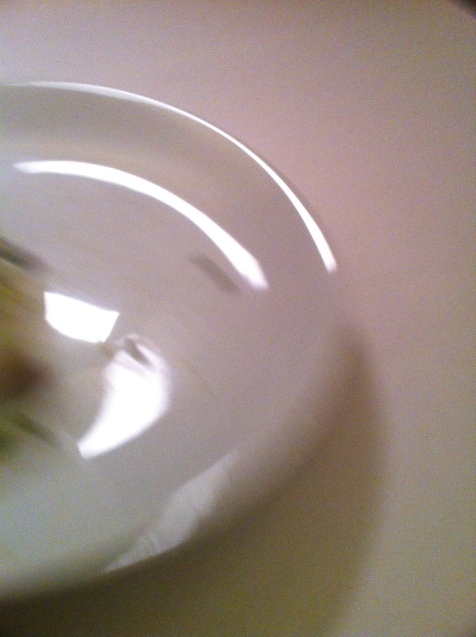 Les assiettes se dérobent avant même de pouvoir les photographier!..