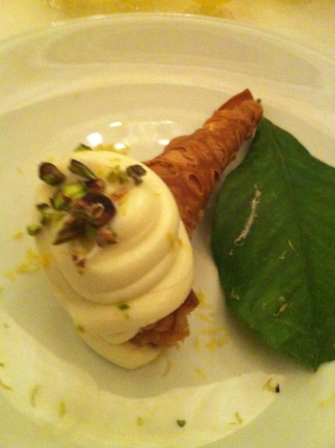 Canolli ricotta, fromage blanc et citron de Syracuse. A deguster avec du limoncello bien sûr