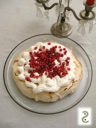 Tourbillon meringué vanille tonka, grains de grenade rubis http://wp.me/p389oa-1a4