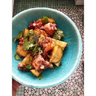 Salade de poulpe au gojuchang, sésame noir et coriandre http://wp.me/p389oa-1ld